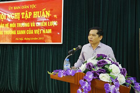 Đồng chí Triệu Hồng Sơn, Vụ trưởng Vụ Tổng hợp phát biểu tại Hội nghị
