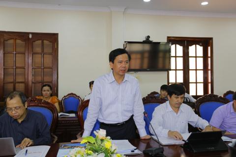 Thứ trưởng, Phó Chủ nhiệm Phan Văn Hùng phát biểu tại buổi làm việc