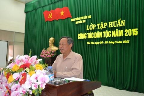 Ông Lương Văn Trừ, Trưởng ban Ban Dân tộc thành phố phát biểu khai mạc